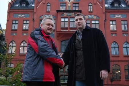 Mariusz Janik (z lewej) i Damian Pilacki zmierzą się w ringu. FOT. WOJCIECH PIEPIORKA