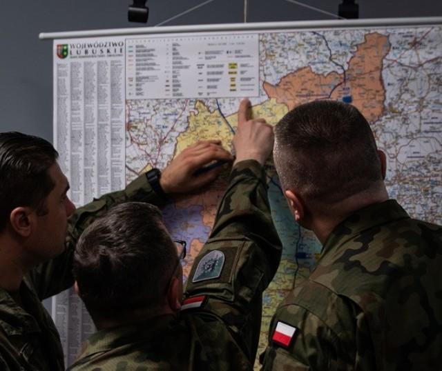 W Lubuskim Urzędzie Wojewódzkim odbyło się spotkanie, na którym omawiano zasady przemieszczania się wojskowego sprzętu po drogach publicznych.