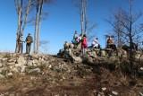 Beskidy: Tłumy na Koziej Górce [ZDJĘCIA] Polacy podczas lockdown'u uciekli w góry