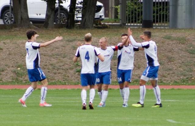 Piłkarze Unii Swarzędz w tym sezonie doskonale sobie radzą w IV-ligowych rozgrywkach