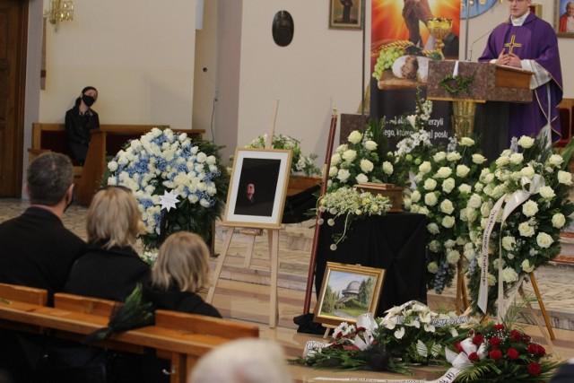 Pogrzeb Lecha Motyki odbył się w Chorzowie-Batorym; Zobacz kolejne zdjęcia. Przesuwaj zdjęcia w prawo - naciśnij strzałkę lub przycisk NASTĘPNE >>>