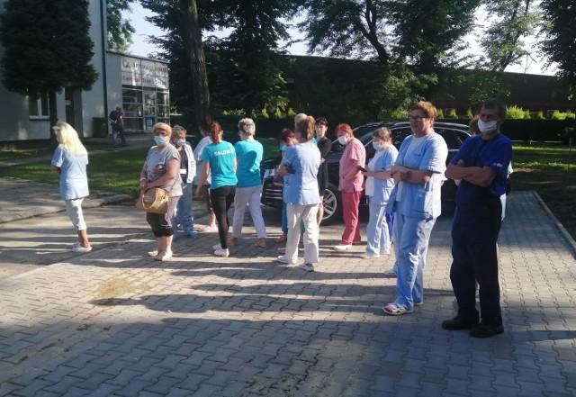 W ciągu najbliższych dni, jeśli nie godzin, pracownicy niemedyczni Szpitala Powiatowego w Oświęcimiu, powinni mieć pieniądze na koncie.