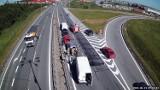 Zderzenie pięciu pojazdów na drodze S6 w Kowalach. 14.06.2021 r. Dwa pasy ruchu były zablokowane. Służby zakończyły działania