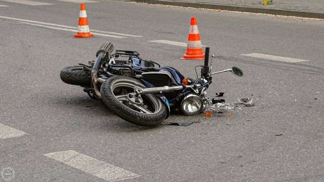 W czwartek 27 maja około godziny 17-stej w Pawłowie doszło do zderzenia motocyklu marki Kawasaki z samochodem Renault Clio. Ranny motocyklista został przewieziony do szpitala.