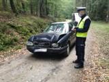 Wypadek na drodze gruntowej nieopodal miejscowości Sarniak. Jeden z kierowców stracił prawo jazdy