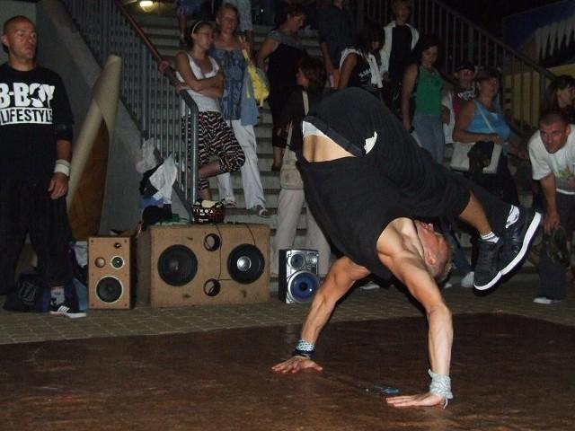 Patryk Klepacki to bardzo utalentowany tancerz, wystąpił m.in. w czołówce programu You Can Dance
