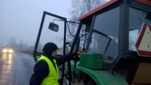 Policjanci w Stolnie kontrolowali także kierowców ciągników rolniczych