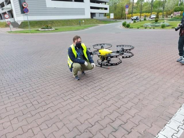 Transport próbek medycznych dronów miał miejsce w Polsce po raz pierwszy. Udział w wydarzeniu wzięli m.in. przedstawiciele UTP w Bydgoszczy.