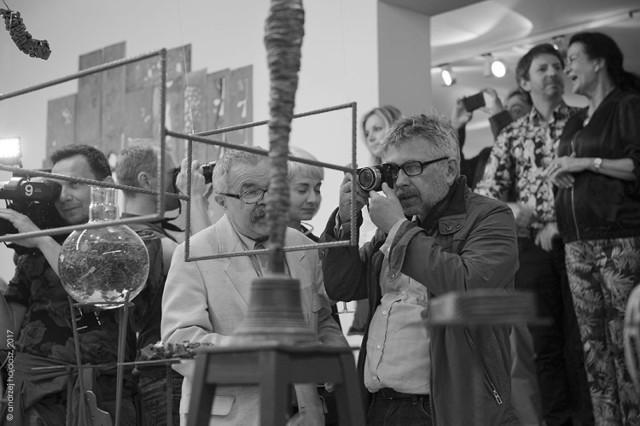 Pierwszego dnia festiwalu odbył się wernisaż Bogusława Bachorczyka. Wernisaże i odsłony kolejnych prac to coroczna tradycja poprzedzająca festiwalowe występy. fot. Andrzej Hajdasz