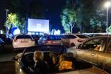 Kraków. W ramach festiwalu Off Camera ruszyło darmowe kino samochodowe. Seanse przez cały wrzesień [ZDJĘCIA]