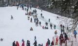 Tłumy saneczkarzy na Łysej Górze w Sopocie! Zimowe szaleństwo trwa [ZDJĘCIA]