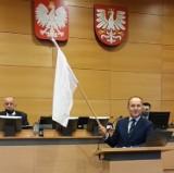 """Małopolski sejmik uchylił deklarację """"anty-LGBT"""". Awantura podczas obrad"""