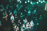 AlterFest 2021 w Mysłowicach. Za nami pierwszy dzień festiwalu muzyki alternatywnej. Impreza powróciła na teren kościoła ewangelickiego