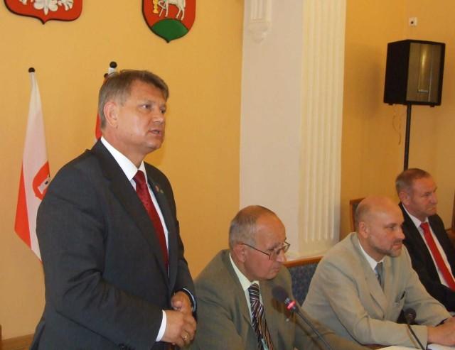 Starosta Andrzej Stępień dziękował radnym za dobrą współpracę