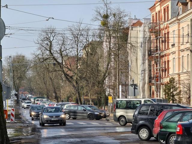 Projekt remontu ulicy Bydgoskiej ma uwzględniać rozwiązania dotyczące ruchu samochodowego i parkowania aut