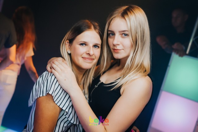 Kolejna szalona noc w Bajka Disco Club Toruń za nami. Zobacz, jak torunianie bawili się na imprezie w minioną sobotę w jednym z najpopularniejszych klubów z muzyką disco polo w Toruniu. Oto zdjęcia!  Zobacz także: Wieczór kawalerski w Bajka Disco Club! Zobaczcie co się działo!