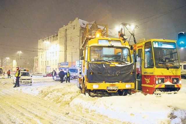 Gdy w listopadzie ubiegłego roku spadł śnieg, okazało się, że nie ma jeszcze podpisanych umów na odśnieżanie ulic.