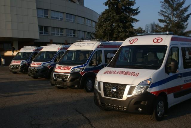 Szpital w Kaliszu kupił cztery nowe ambulanse do transportu pacjentów