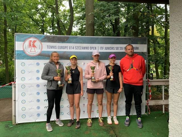 Dominika Podhajecka wygrała rywalizację deblową w turnieju Tenis Europe.