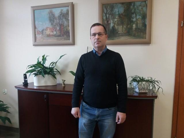 Wójt Pszczewa Józef Piotrowski.