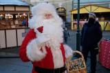 Jarmark bożonarodzeniowy w Żarach. Fotorelacja z drugiego dnia, słodkości, pierniki, miody, oscypki i mnóstwo dekoracji świątecznych