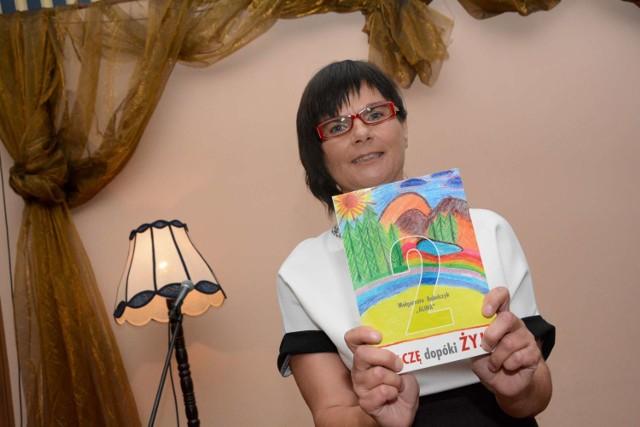 """Małgorzata Bąbelczyk to autorka trzech książek pod tytułem """"Walczę dopóki żyję"""", w których opisuje historię swojej choroby."""