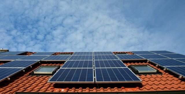 Dla klientów indywidualnych jedną z największych zalet fotowoltaiki jest niezależność energetyczna.