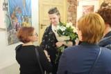 Agata Majda z Liceum Plastycznego w Tomaszowie otworzyła pierwszą wystawę malarstwa