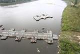Demontaż mostu pontonowego rozpocznie się w najbliższych dniach. Ścieki płyną już nowym rurociągiem pod Wisłą