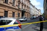 Kraków. Alarm bombowy. Ewakuowano dwa urzędy skarbowe [ZDJĘCIA]