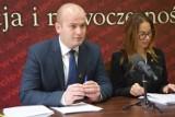 Świecie. Burmistrz Krzysztof Kułakowski dostał od radnych absolutorium