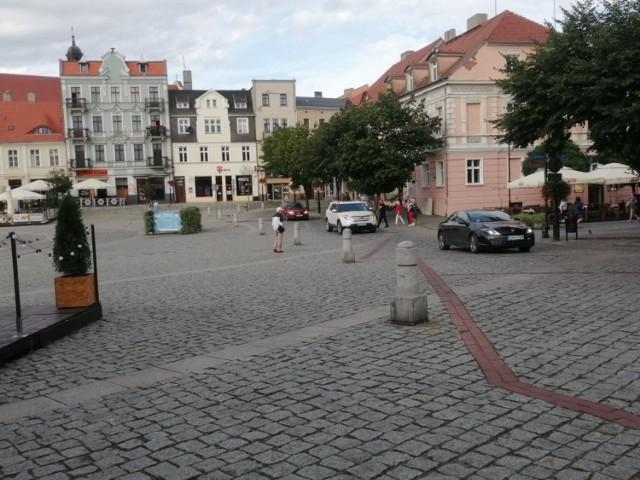 Gniezno: Centrum miasta bez samochodów? Pora na konsultacje