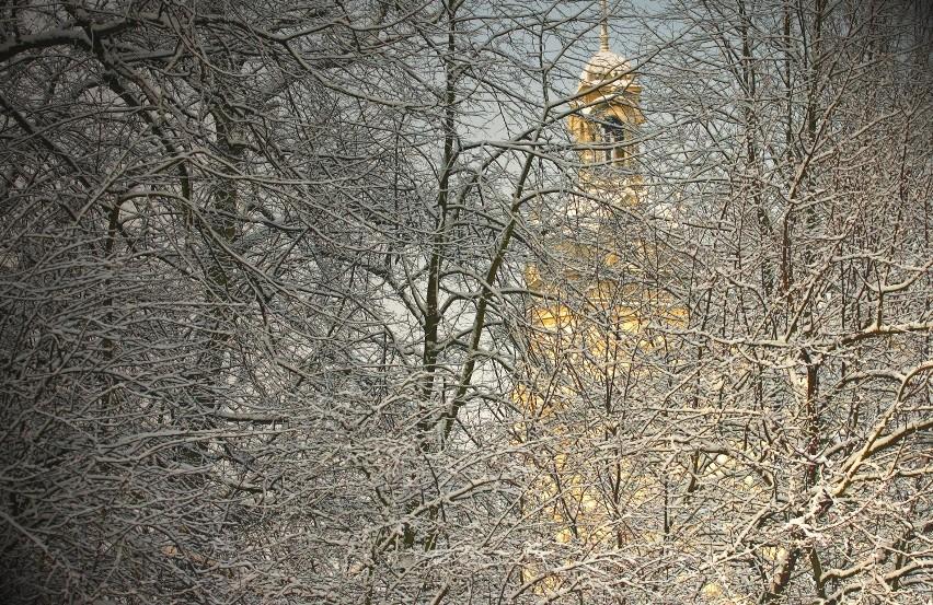 Pałac Młynarzy ...jakby przysypany mąką ... ;-)