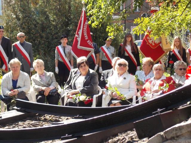 Uroczystości upamiętniające bliskich nowosolan, którzy zostali na Sybirze odbywają się co roku przy Pomniku Sybiraka