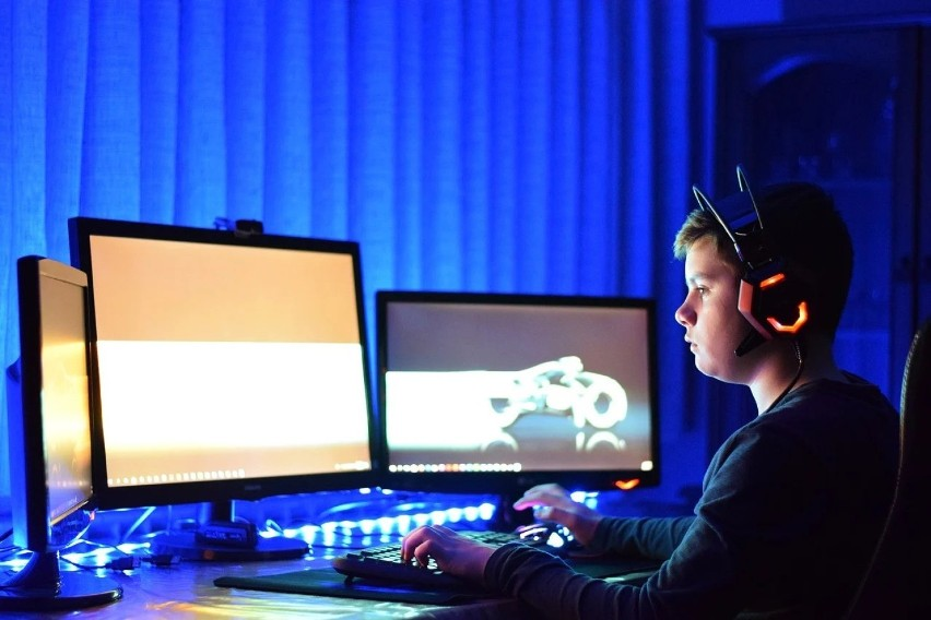 Popularność e-sportu rośnie z roku na rok. Każdego miesiąca...