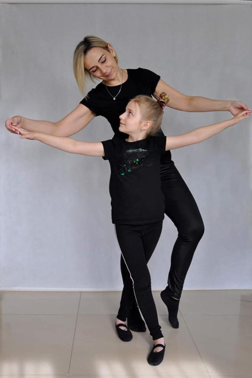 """Chełm. Tańczące mamy i ich utalentowane córki.  Zobacz niezwykłe zdjęcia z konkursu fotograficznego """"Moja mama tańczy"""""""