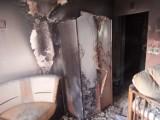 Pruszcz Gdański. Pożar mieszkania w bloku przy Obr. Wybrzeża. Zapaliła się deskorolka elektryczna [7.05.2020] |ZDJĘCIA