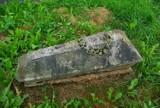 Kwesty na cmentarzu w Sanoku nie będzie. Trwa zbiórka na odnowienie zabytkowych nagrobków [ZDJĘCIA]