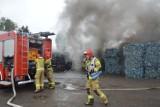 Rawicz. Strażackie ćwiczenia na terenie firmy zajmującej się recyklingiem odpadów [ZDJĘCIA]