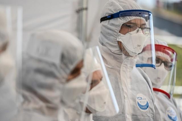Dane statystyczne dotyczące pandemii koronawirusa w piątek, 30 lipca 2021 roku.