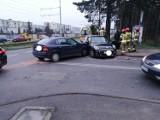 Dwa samochody zderzyły się przy Szpitalnej w Bydgoszczy [zdjęcia]