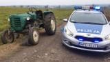 Krasnystaw: Po polu jeździł ciągnik bez kierowcy. Gonił go pijany rolnik. Zobacz wideo