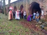 Pokłon trzech króli w ruinach klasztoru w Policach-Jasienicy
