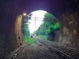 To prawdziwy cud techinki! Najstarszy tunel kolejowy w Polsce jest w Śląskiem. Jest też najdłuższy w całym regionie. Zobaczcie ZDJĘCIA