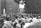 Biskup włocławski w sieradzkiej kolegiacie na przełomie lat 60 i 70 - ZDJĘCIA