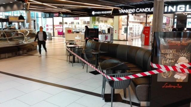 Pierwszy dzień w czerwonej strefie w Galerii Katowickiej - zamknięte kawiarnie, limity w sklepach