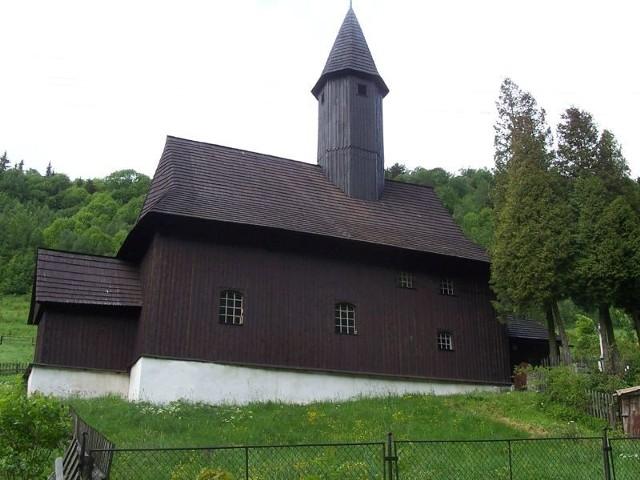 Najcenniejszy zabytek Zalesia – barokowy kościół św. Anny