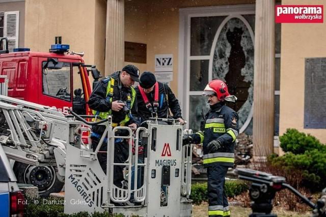 Oględziny pogorzeliska z udziałem biegłego sądowego z zakresu pożarnictwa, zostały dokonane dzień po pożarze Zakładu Przyrodoleczniczego w Szczawnie-Zdroju