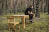 """Janusz Radek twierdzi, że """"Facet został sam"""". Ale tylko w swojej najnowszej piosence"""
