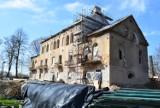"""Żory: Pałac w Baranowicach będzie gotowy później. """"Stan techniczny budynku jest znacznie gorszy niż przewidywano"""""""